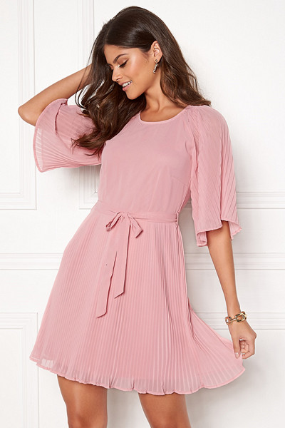 Lovisa Barkman x Bubbleroom ljusrosa klänning Positano Perfection Dress
