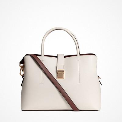 H&M ljusbeige handväska med metallspänne