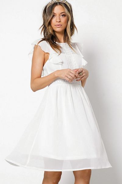Sisters Point vit klänning med volanger