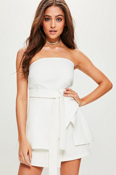 Missguided vit playsuit bandeau-modell med knytband