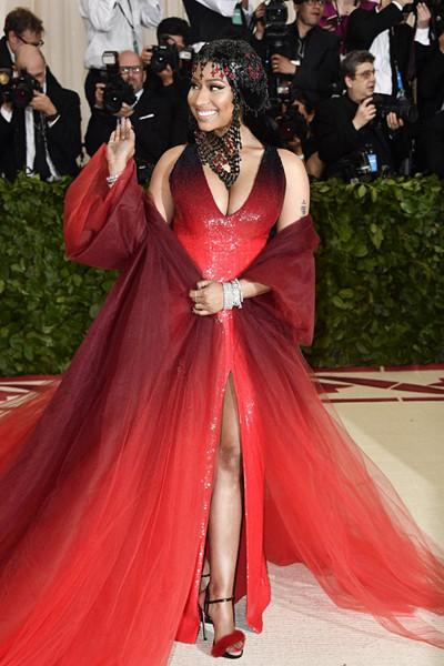 Nicki Minaj i röd klänning på The Met Gala 2018