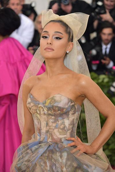 Ariana Grande på The Met Gala 2018