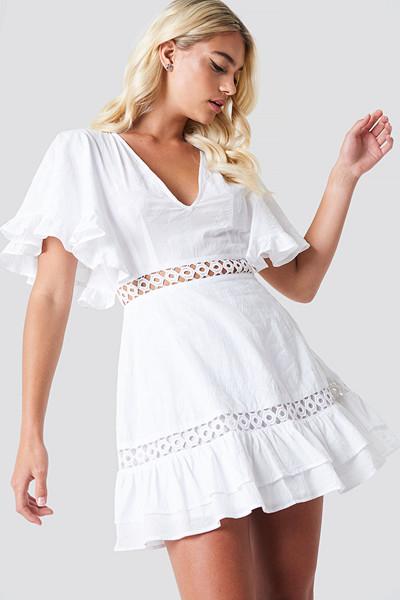 Linn Ahlborg x NA-KD vit klänning butterfly sleeve