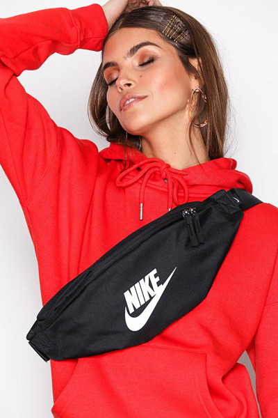 Nike Heritage Hip Pack svart
