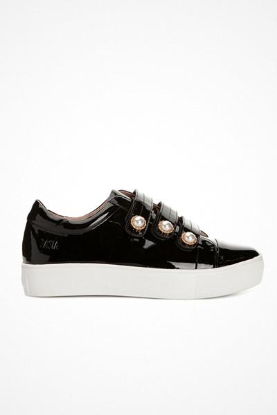 Dasia sneakers i lack med platå