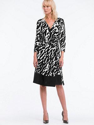 Stylein Klänning Somerset - Klänningar online - Modegallerian 2937d3d7df83d