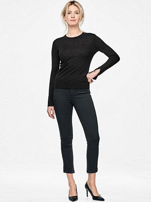 More Than Basic Tröja The split sleeve sweater