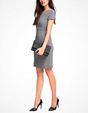 Festklänningar - Esprit Klänning i mönstrad trikå