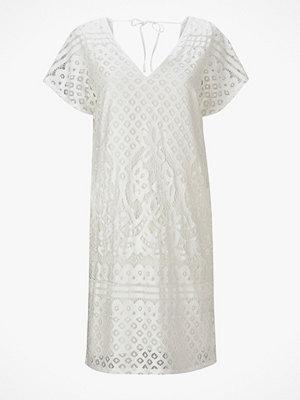 Saint Tropez Spetsklänning med djup rygg