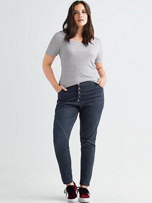 Ellos Jeans Hanna Boyfriend