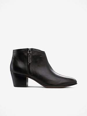 Clarks Boots Maypearl Alice