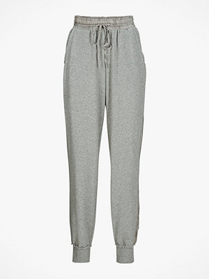 Odd Molly ljusgrå byxor Sweatshirtbyxa Chill Out