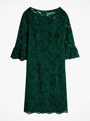 Esprit Spetsklänning med volangärm