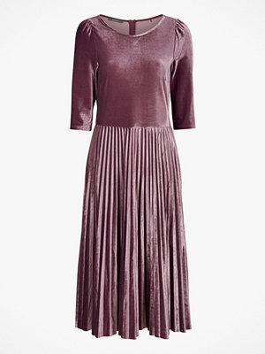 Esprit Sammetsklänning med plisserad kjol
