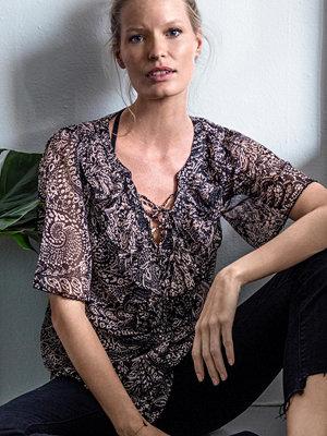 Joelle Blus Gerbera