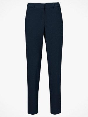 Vero Moda Byxor vmVictoria Antifit Shiny Tape Pants marinblå