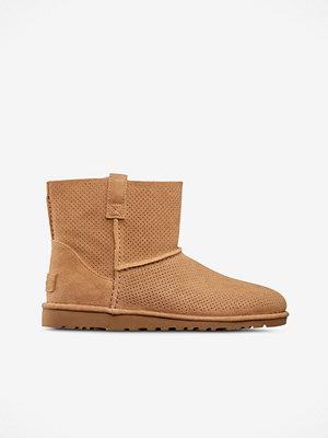 Boots & kängor - UGG Boots Classic Unlined Mini Perf ofodrade