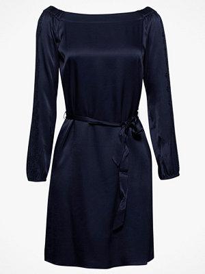 Festklänningar - Esprit Klänning Cv Matt/Shine Dress