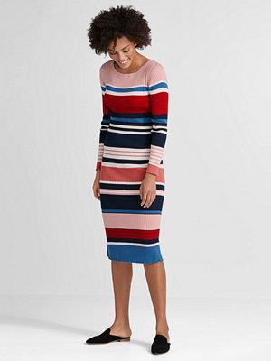 Esprit Ribbstickad klänning