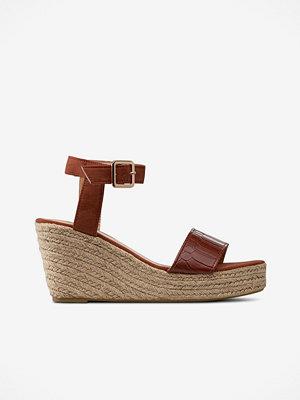 Sandaler & sandaletter - La Redoute Sandalett med repklädd kilklack