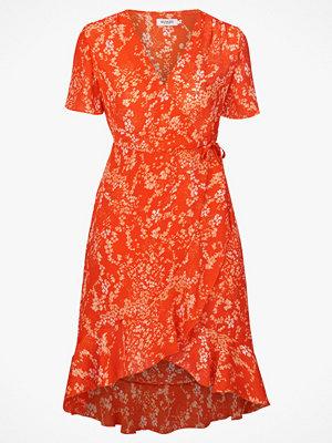 Soaked in Luxury Klänning Lanelle Dress