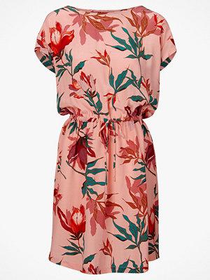 Soaked in Luxury Klänning Lavada Dress