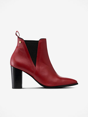 Agnes Cecilia Boots Jennie