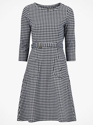 Jumperfabriken Klänning Perry Dogtooth Dress