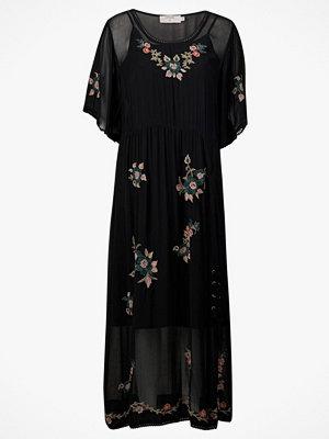 Festklänningar - Cream Klänning Camily Dress