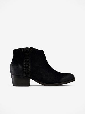 Clarks Boots Maypearl Fawn