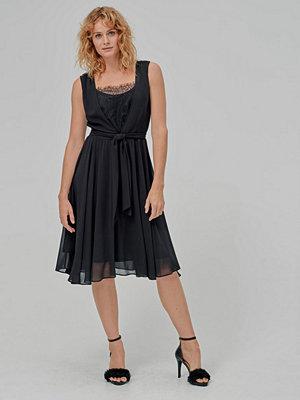 Esprit Klänning Fluent Chiffon Dress