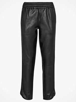 Vero Moda Skinnbyxor vmAmber Leather Pant svarta