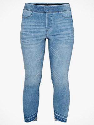 Ellos Jeans Lottie