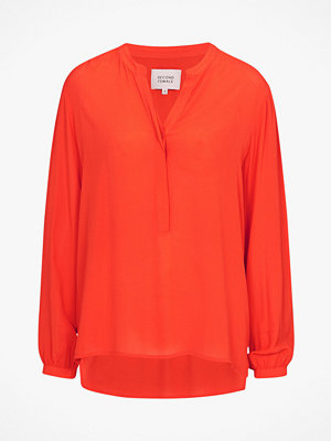 Second Female Blus Time Blouse