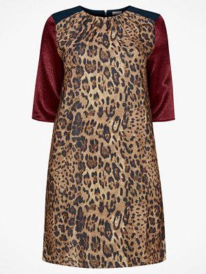 La Redoute Rak klänning i leopardmönster och blockfärger