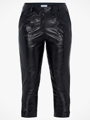 La Redoute svarta byxor Smal byxa i glänsande skinnimitation
