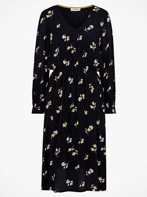Soaked in Luxury Klänning Sloane Dress