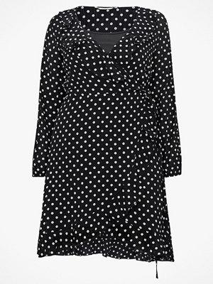 Only Carmakoma Omlottklänning carClara LS Dress