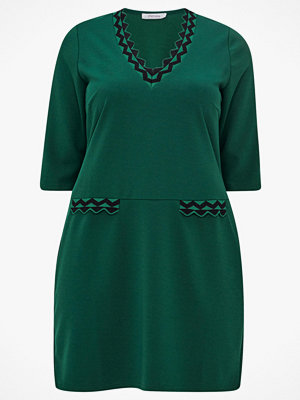 Paprika Klänning Wave Shaped Dress