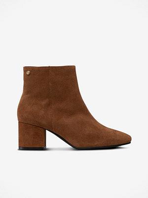 Agnes Cecilia Boots Square Toe