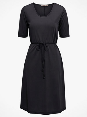 Whyred Klänning Harper Dress