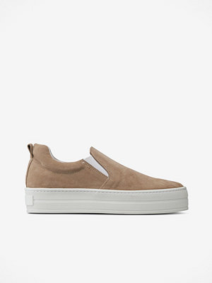 Apair Sneakers med platåsula i slip-on-modell