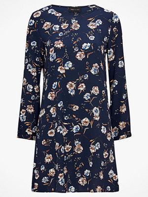 Only Klänning onlElva L/S Puff Dress