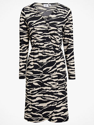 Saint Tropez Klänning Tiger Jersey Wrap Dress