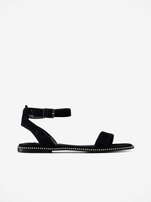 Steve Madden Sandal Salute Flat Sandals