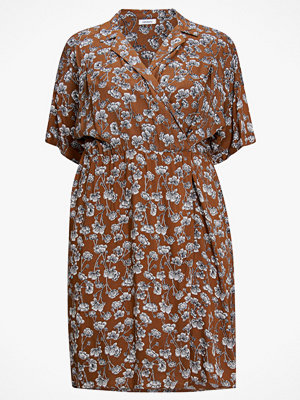 La Redoute Blommig omlottklänning i halvlång modell