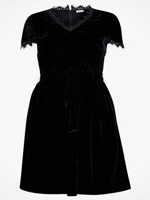La Redoute Utställd, halvlång klänning i velour med spetsdetaljer
