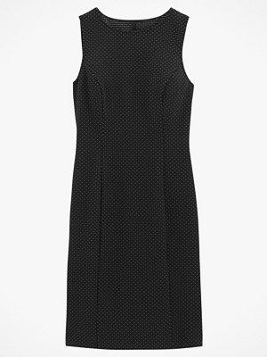La Redoute Ärmlös klänning med prickigt jacquardmönster