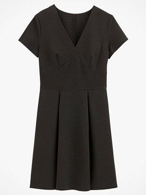 La Redoute Utställd, halvlång klänning med prickigt jacquardmönster