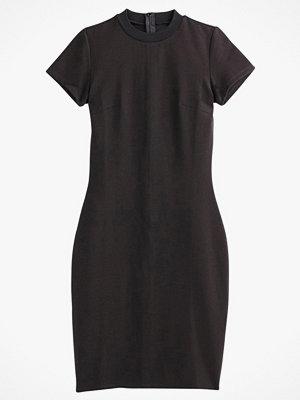 La Redoute Figurnära, halvlång klänning med kort ärm